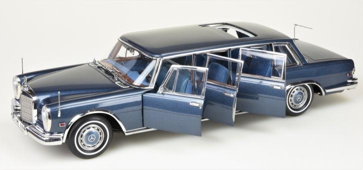 """CMC Mercedes-Benz 600 Pullman """"King of Rock'n Roll"""", bleu"""