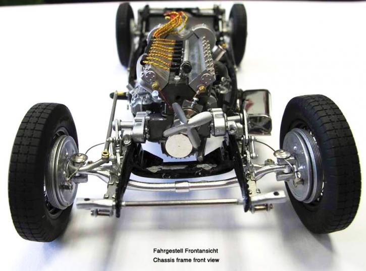 CMC Bugatti Typ 57 SC Atlantic schwarz M-085