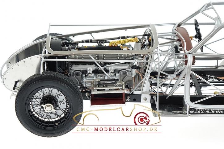 CMC Alfa Romeo 8C 2900 B, 1938 Rolling Chassis inkl. Holzsockel