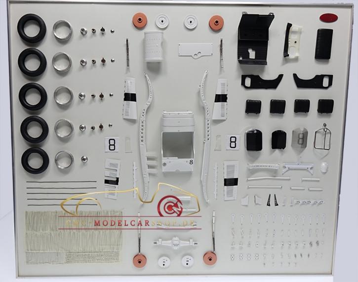 CMC Model Art Mercedes-Benz SSKL #8 Bauteile Display