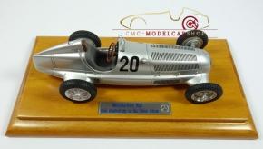 CMC Mercedes-Benz W25, Jubiläums-Bundle 80 Jahre Silberpfeil, inkl.Vitrine
