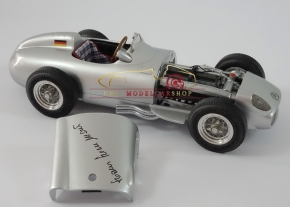 CMC Mercedes-Benz W196, Hans Herrmann, Signature Édition limitée 96 pièces + CMC transporteur de course