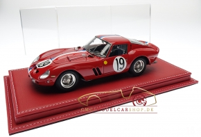 Atlantic vitrine Mulhouse leather red, 1:18 model cars