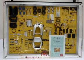 CMC Model Art Ferrari 250 GTO Silber Bauteile Display