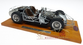 CMC Maserati 300S, 1956 Rolling Chassis inkl. Holzsockel