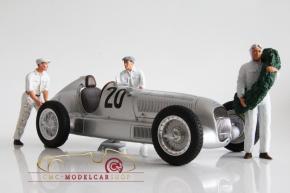 Figutec Set Rennfahrer Mercedes neben dem Auto stehend und 2 Mechaniker Figuren 1:18